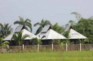 บ้านพร้อมที่ดิน 25000000 เชียงใหม่ สันทราย สันนาเม็ง