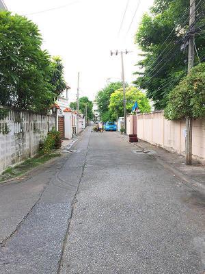 ที่ดิน 19000000 กรุงเทพมหานคร เขตดุสิต ถนนนครไชยศรี