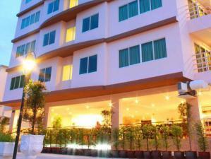 โรงแรม 180000000 ชลบุรี บางละมุง หนองปรือ