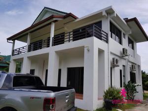 บ้านเดี่ยวสองชั้น 7900000 สุราษฎร์ธานี เกาะสมุย หน้าเมือง