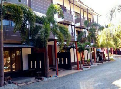 อพาร์ทเม้นท์ 32000000 ชลบุรี เมืองชลบุรี แสนสุข
