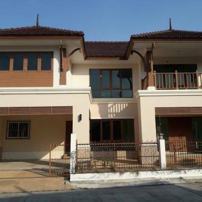 บ้านแฝดสองชั้น 6900000 ชลบุรี เมืองชลบุรี แสนสุข