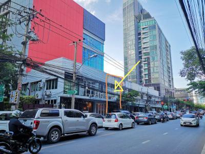 อาคารพาณิชย์ 16700000 กรุงเทพมหานคร เขตวัฒนา คลองเตยเหนือ