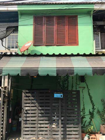 ทาวน์เฮาส์ 2430000 กรุงเทพมหานคร เขตลาดกระบัง ทับยาว