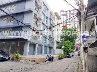 โรงแรม 80000000 กรุงเทพมหานคร เขตราชเทวี ถนนเพชรบุรี