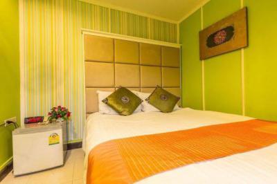 โรงแรม 800 กรุงเทพมหานคร เขตวัฒนา คลองเตยเหนือ